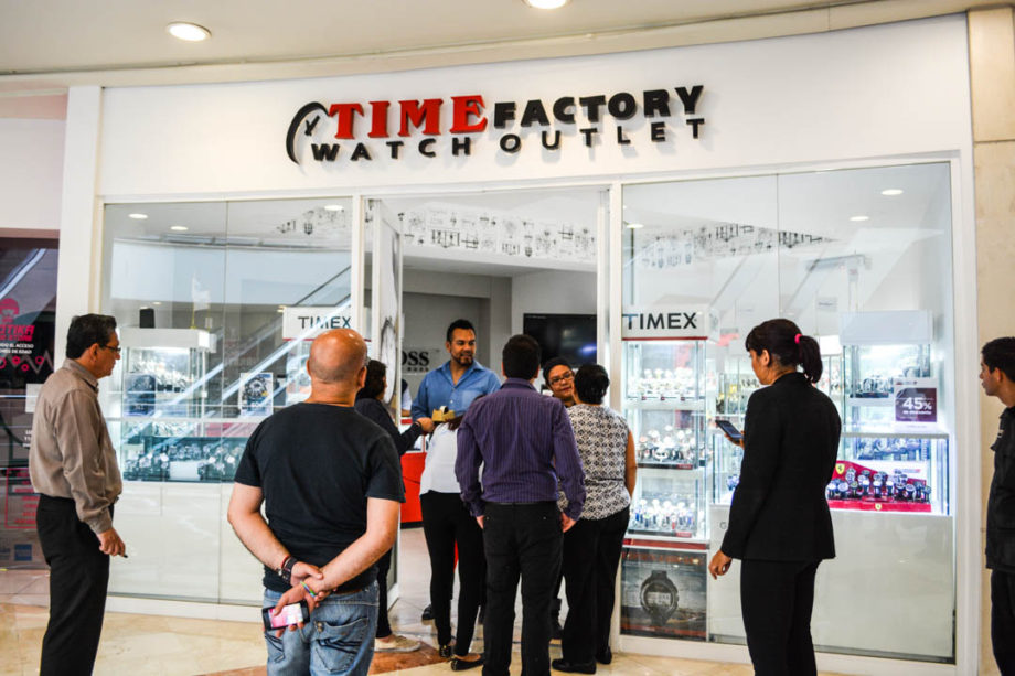 Timex inauguro su tienda Time Factory Watch Outlet en Plaza del Valle